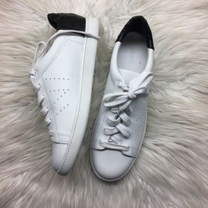 Vince White and Black Sneakers 9.5M